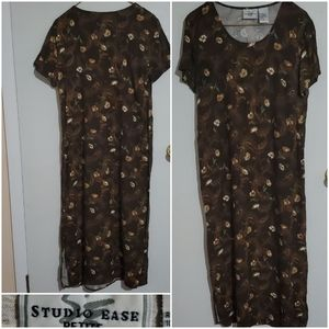 Studio Ease Petite Coffee Maxi with Cream Flowers